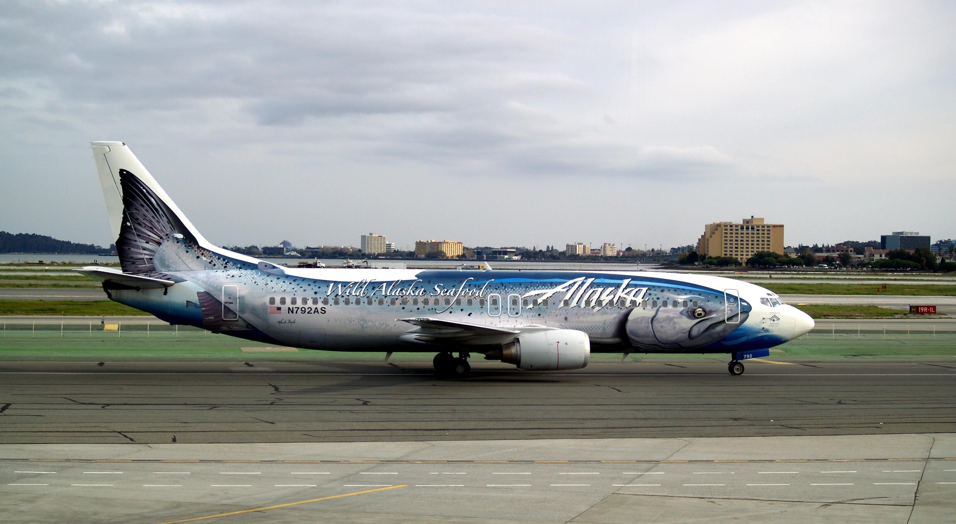 Alaska_Airlines Salmon - Boeing_737-490_N792AS