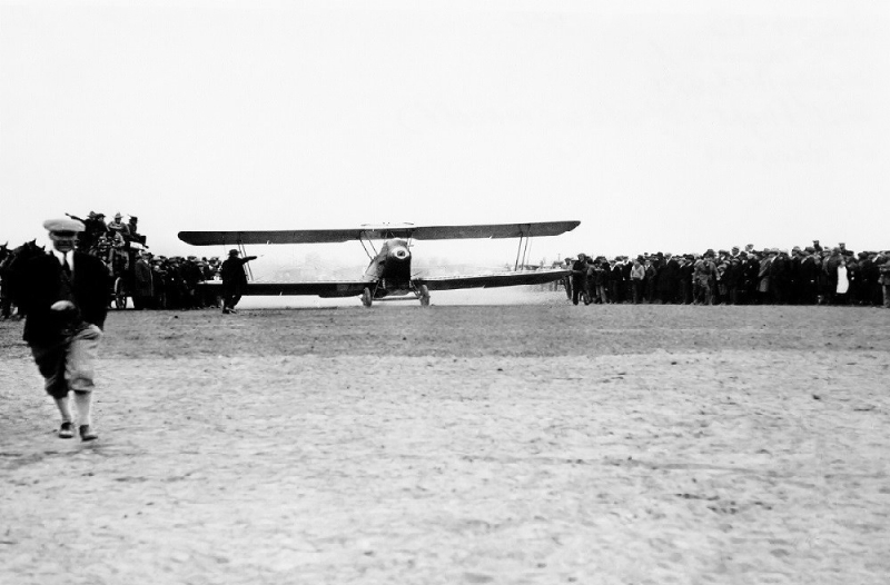 United launched its first flight on April 6, 1926 (PRNewsFoto/United Airlines)