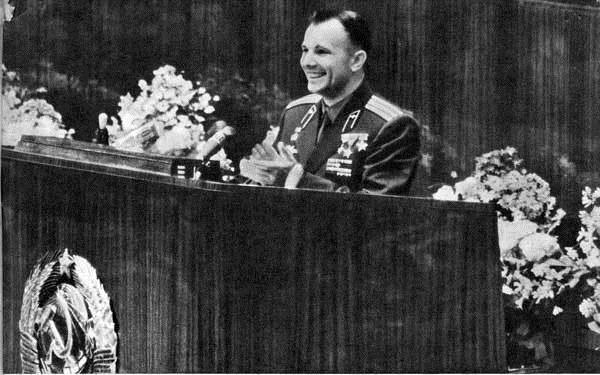 SMEAL_Yuri Gagarin_02