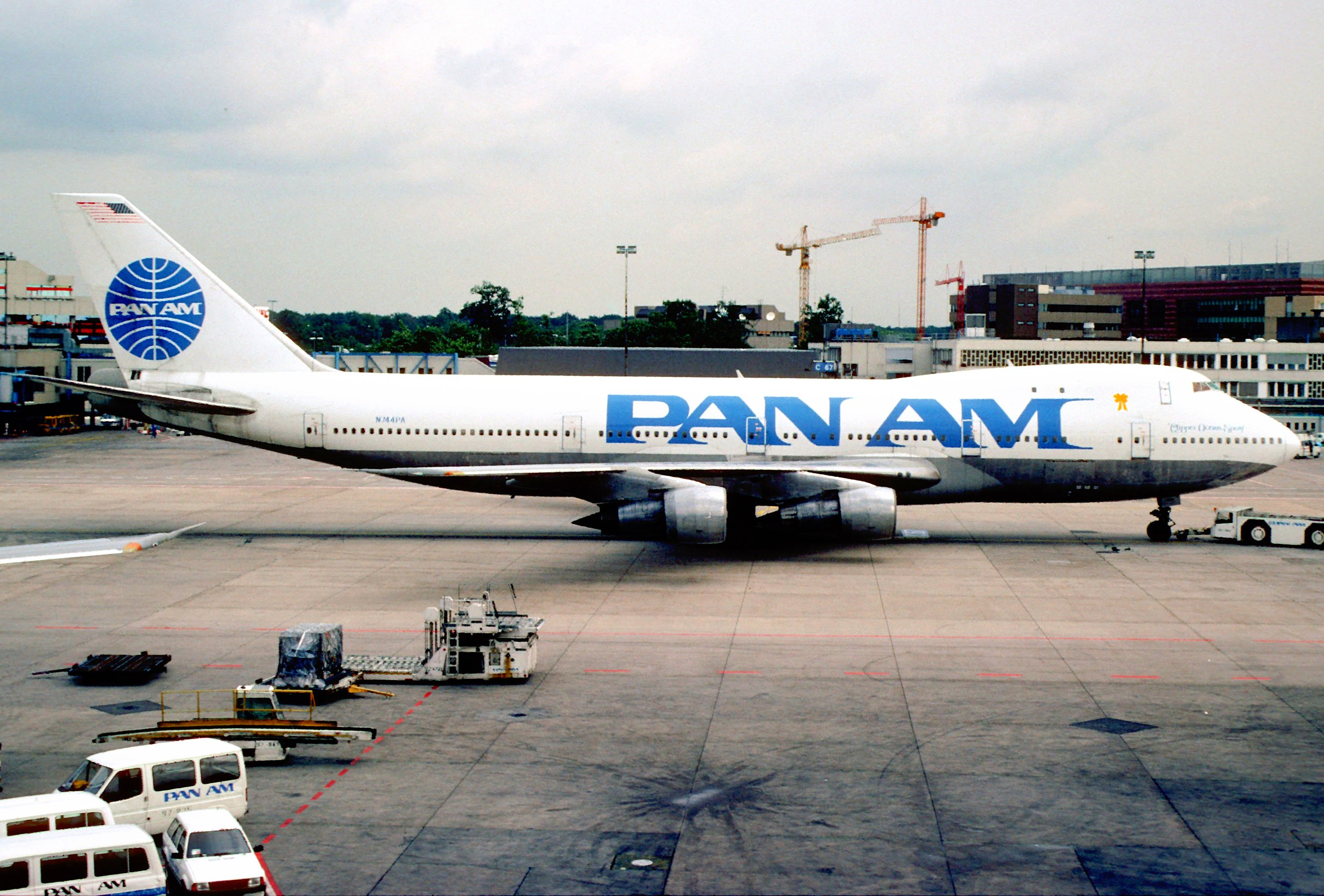 pan_am_boeing_747-121_n744pafra_june_1991_dvh_5287989487