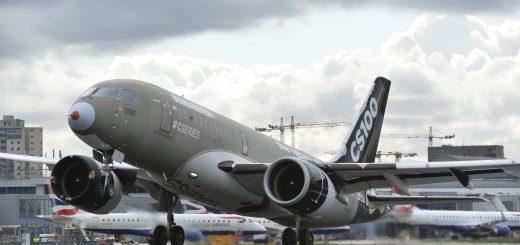Bombardier CSeries en pruebas en LCY