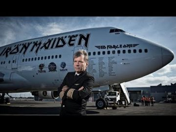 Bruce Dickinson - Astro del Heavy Metal y Piloto Aviador